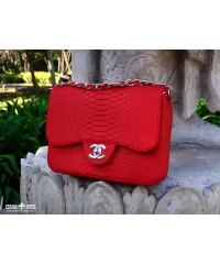 Сумочка в стиле Chanel из кожи питона, красная maxi