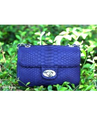 Сумочка в стиле Chanel из кожи питона, синяя